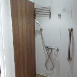 福田 体育館 シャワー室